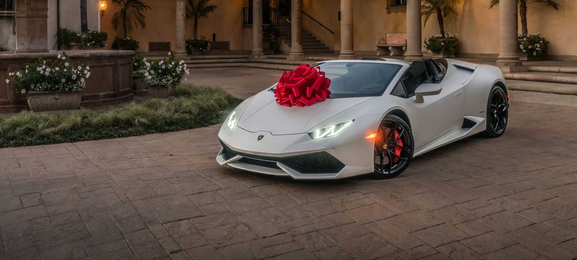 Happy Holidays From Lamborghini Beverly Hills