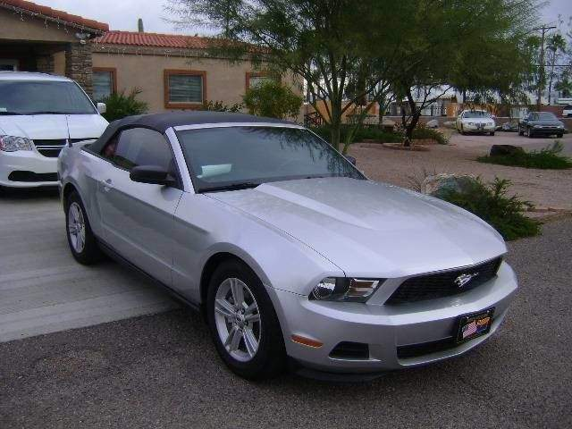 2012 Ford Mustang V6 REDUCED