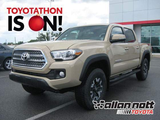 2017 Toyota Tacoma 4X4 TRD Off Road w/ Navigation