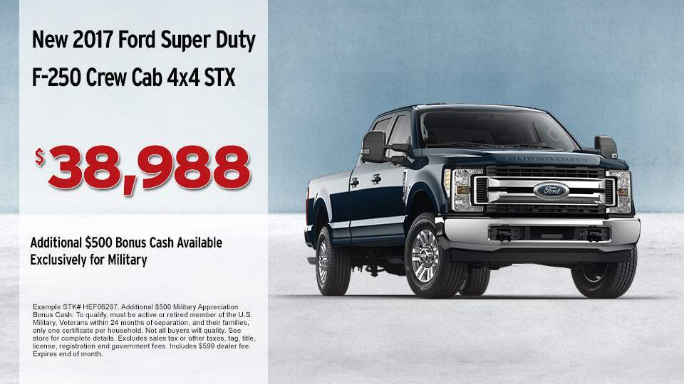 2017_Ford_Super_Duty_F-250_Crew_Cab_4x4_STX