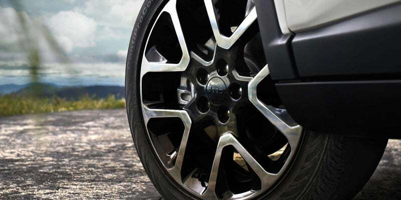 Isolated view of 2019 Jeep Compass wheel