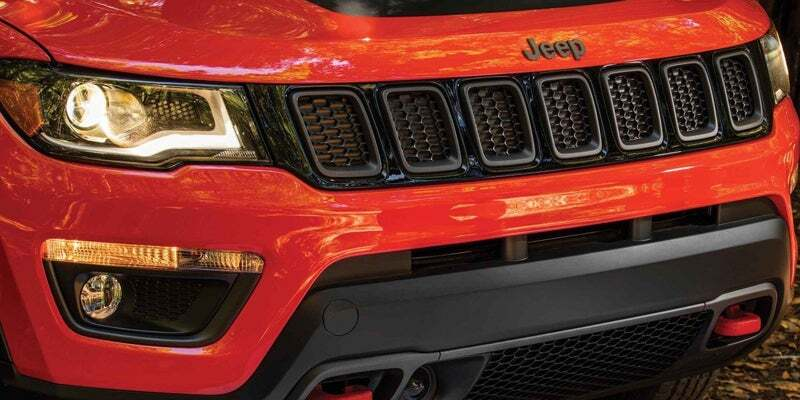 Front headlights and grille of 2019 Jeep Compass