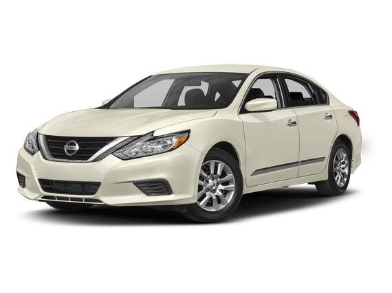 New Nissan Altima in Hinesville