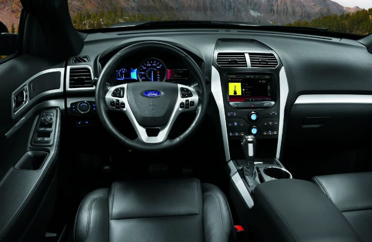 2014 ford explorer vs 2014 chevy traverse - 2013 ford explorer interior parts ...