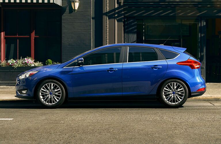2015-ford-focus-exterior-redesign-all-new-sedan-hatchback
