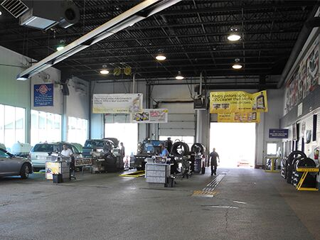 Dealership_Oil_change_lanes
