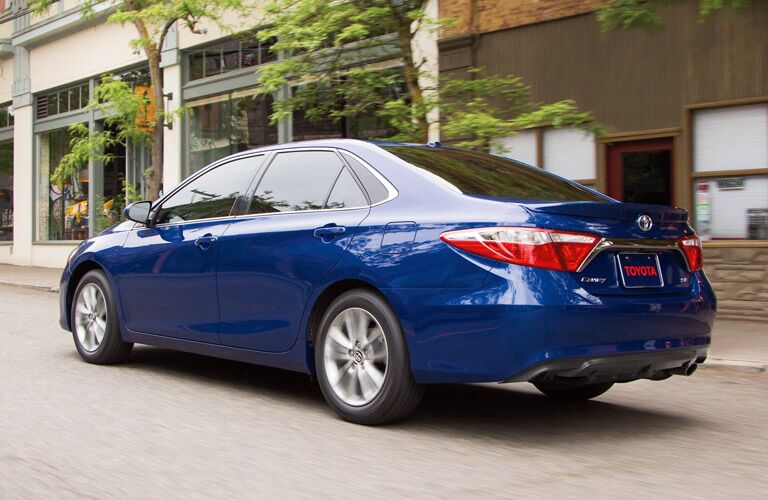 There is an obvious winner when you match up the 2016 Toyota Camry vs 2016 Hyundai Azera, read on to learn more!