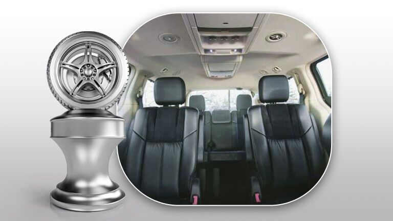 Chrysler Town and Country standard leather seats