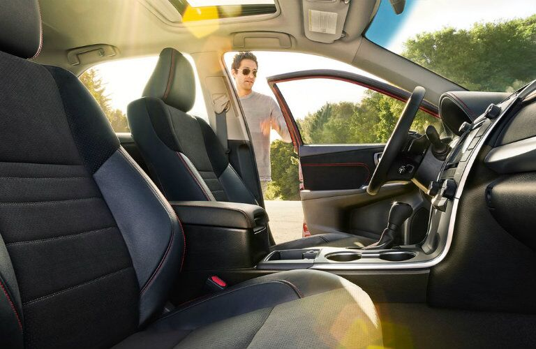 2016 toyota camry interior touchscreen rearview camera passenger volume