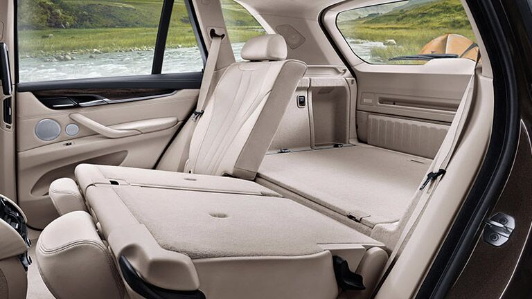 2015 BMW X3 vs BMW X5 Interior Folding Seats