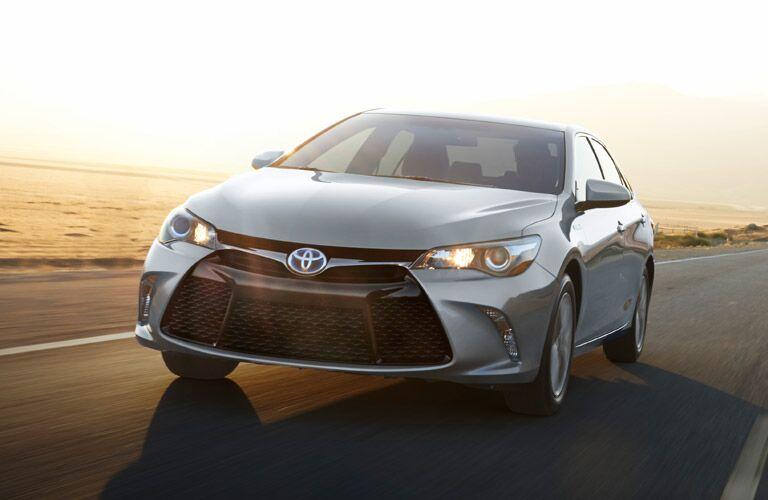 2016 Toyota Camry passenger volume Hiland Toyota Moline IL