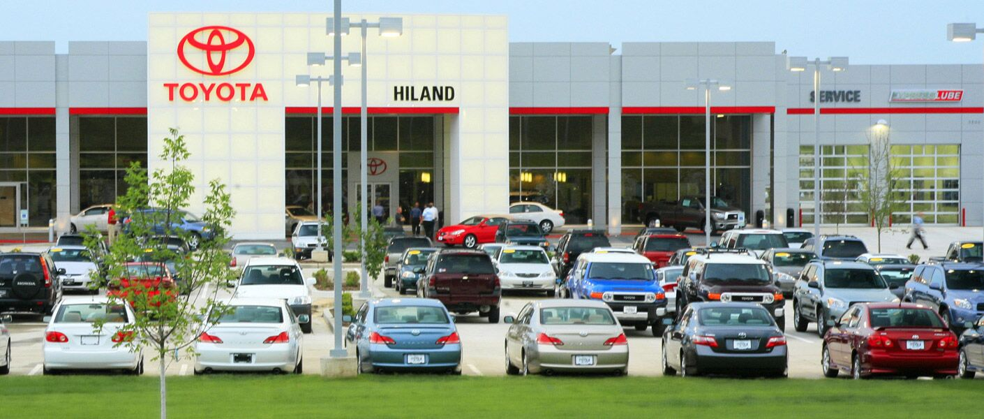 about hiland toyota a moline il dealership. Black Bedroom Furniture Sets. Home Design Ideas