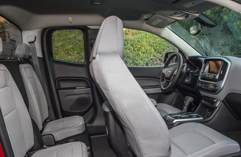 Comfortable cloth interior on the 2016 Chevy Colorado