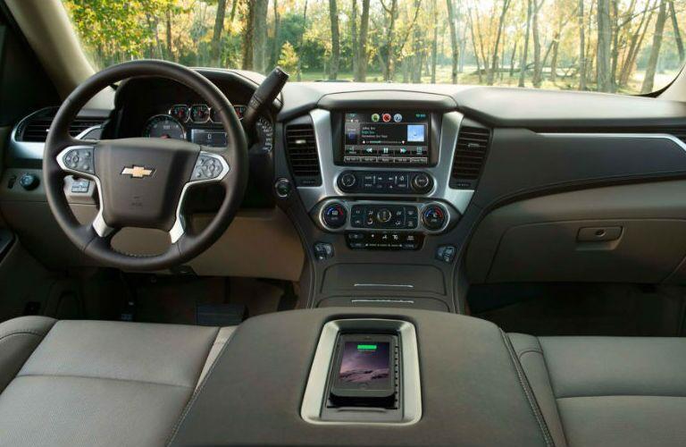 2015 Chevy Suburban vs 2015 Nissan Armada