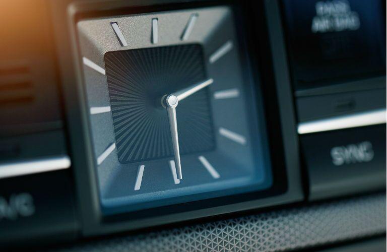 2016 hyundai genesis classy clock