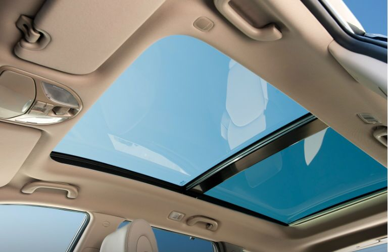 2016 Hyundai Santa Fe with panoramic sunroof