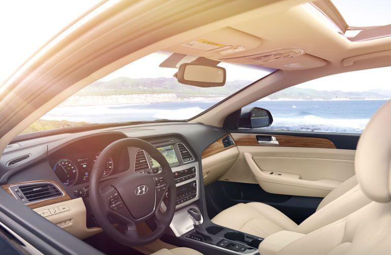 2016 Hyundai Sonata Hybrid front legroom