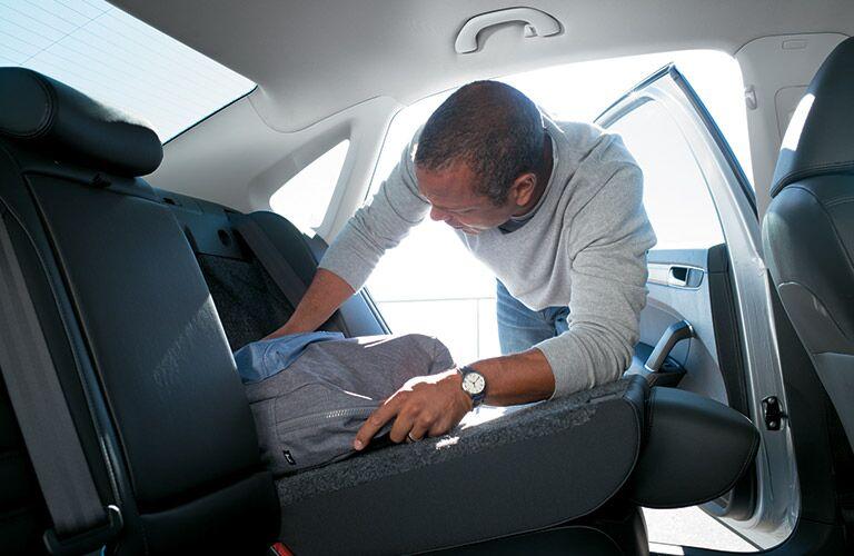 folding rear seats in the 2016 vw passat