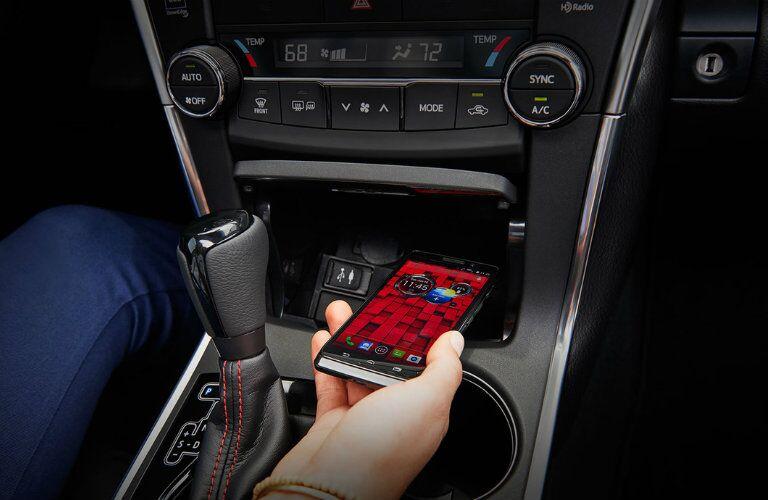 2016 Toyota Camry Hybrid technology