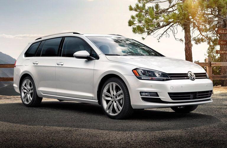 2016 Volkswagen Golf SportWagen Pure White