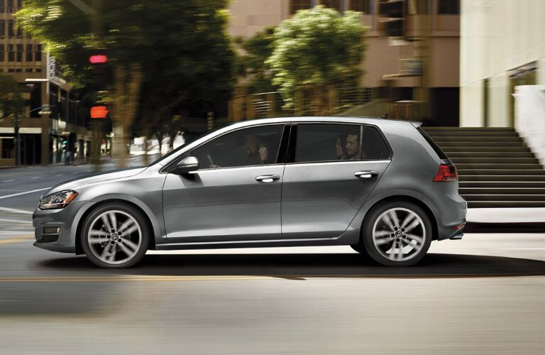 2016 Volkswagen Golf side profile