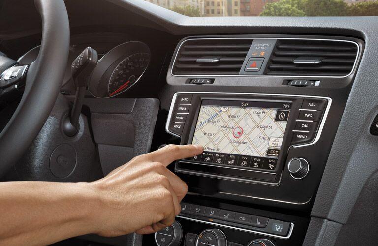2016 VW Golf MIB II infotainment system