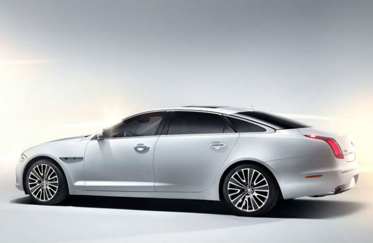 For a new look, give a used Jaguar XJ in Dallas TX a try.