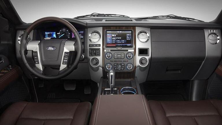 Get the 2015 Ford Expedition Winder GA today at Akins Ford!
