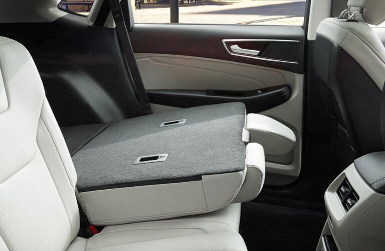 60/40 folding rear seats 2016 Ford Edge