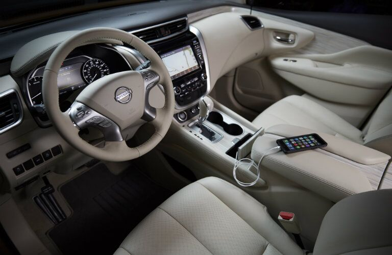 2016 Nissan Murano interior features, technology and seating