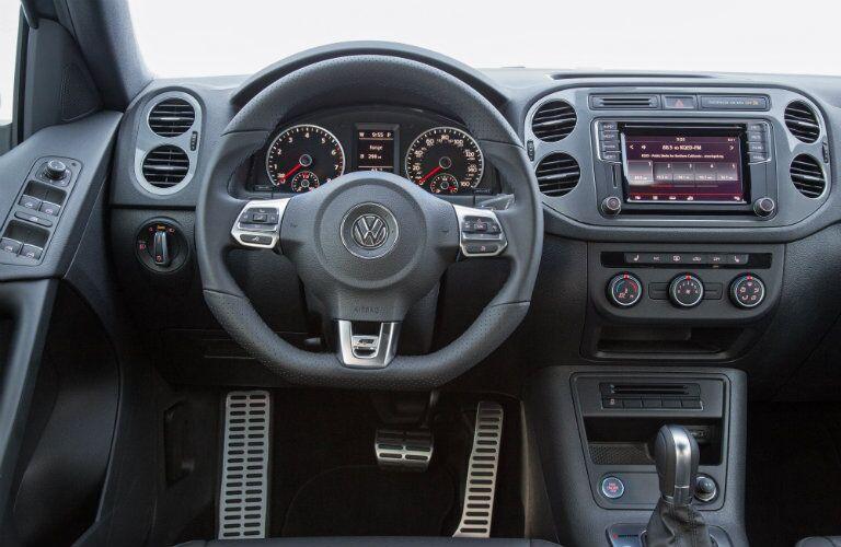 2016 VW interior technology steering wheel