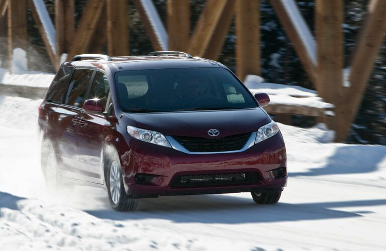 2014 Toyota Sienna vs 2014 Grand Caravan