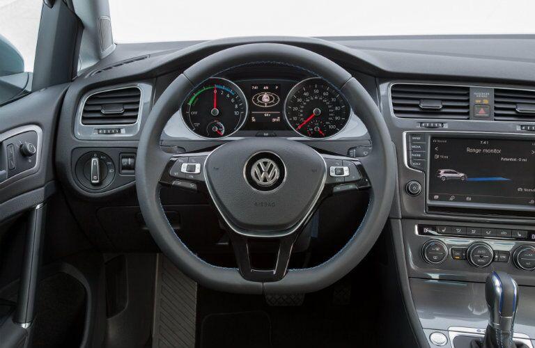 2016 Volkswagen e-Golf car-net driver assistance