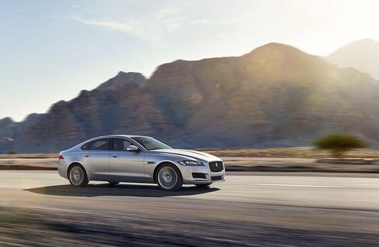 2016 Jaguar XF vs 2016 BMW 5 Series Performance