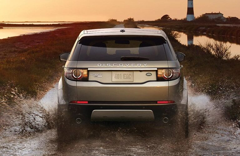 2016 Land Rover Discovery Sport vs. 2016 Volvo XC60 power