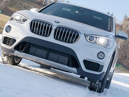 2016-BMW-X1-shorter-hood-and-aggressive-slit-head-and-tail-lights
