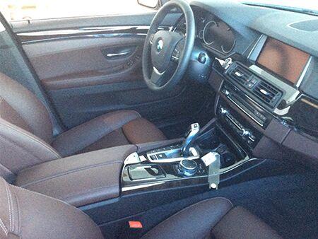2016_BMW_5_Series_Interior_Dash