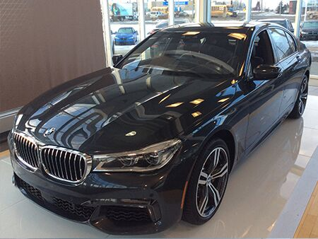 2016_BMW_7_SERIES_driver_side