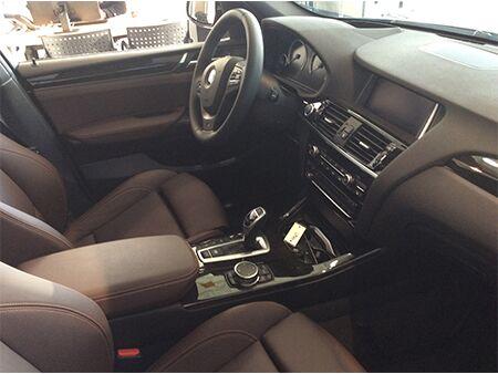 2016_BMW_X3_interior_Dash
