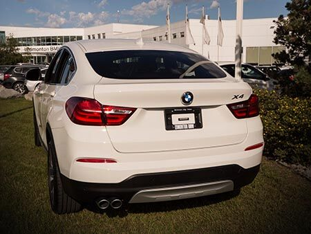 2016_BMW_X4_PREVIEW_EXTERIOR_BACK