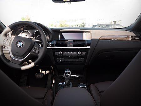 2016_BMW_X4_PREVIEW_INTERIOR
