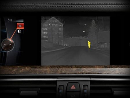 BMW_NIGHT_VISION_SCREEN_PERSON