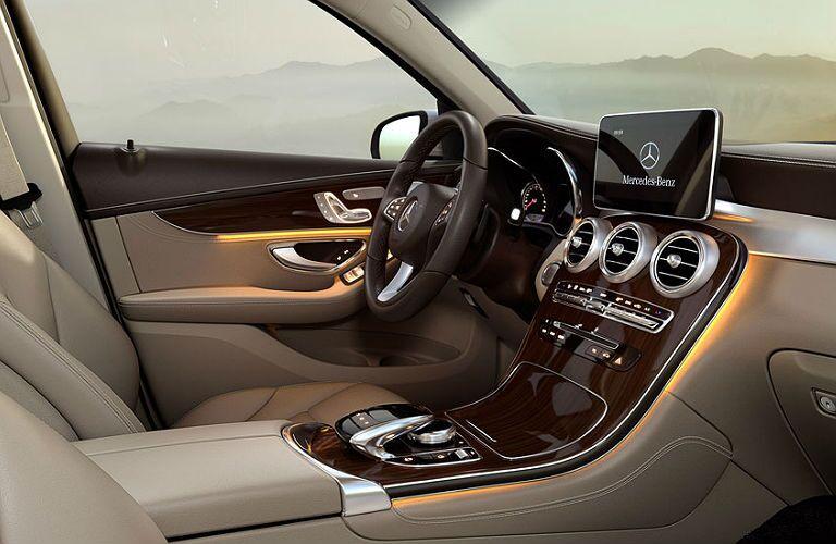 2016 Mercedes-Benz GLC vs. Mercedes-Benz GLK interior