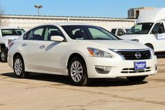 2013 Nissan Altima 2.5 S Green Bay WI