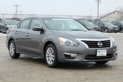 2014 Nissan Altima 2.5 S Green Bay WI