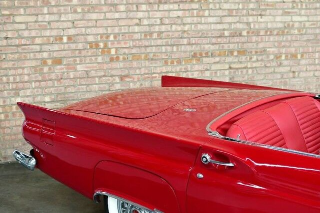 1957 Ford Thunder Bird CONVERTIBLE/HARDTOP - SIDE AIR VENTS RED LEATHER INTERIOR REAR WHEEL DRIVE LOOKS AND RUNS GREAT Bensenville IL