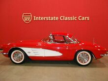 1961_Chevrolet_Corvette Fuel-Injected_convertible_ Dallas TX