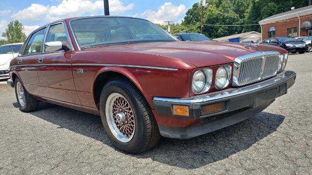1989 Jaguar XJ Sedan Vanden Plas Majestic Charlotte and Monroe NC