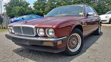 1989_Jaguar_XJ Sedan_Vanden Plas Majestic_ Charlotte and Monroe NC