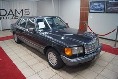 1989_Mercedes-Benz_420_SEL sedan_ Charlotte NC